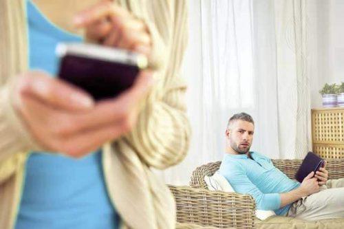 Eşim Beni Aldatıyor mu? Nasıl Anlarım?